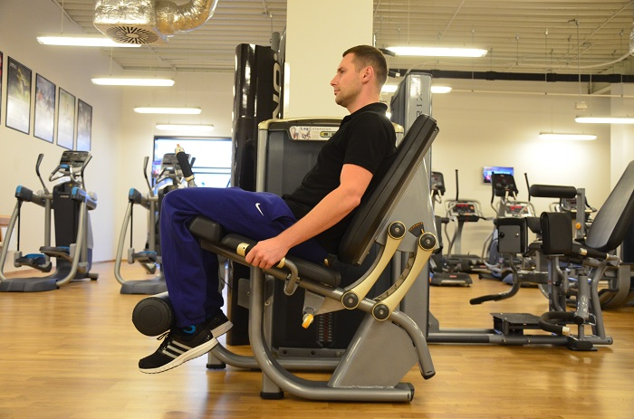 bieganie silownia prostowanie nog