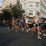 Jak ćwiczyć, aby nie łapała nas kolka podczas biegania?