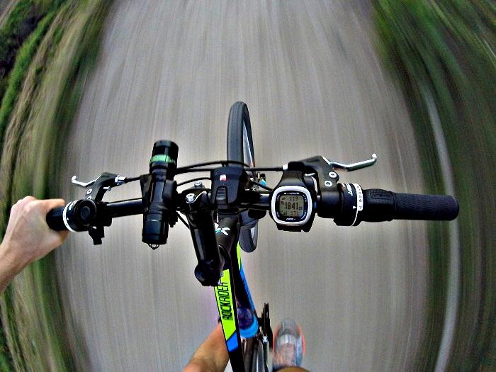 Runtastic GPS Watch - jazda na rowerze