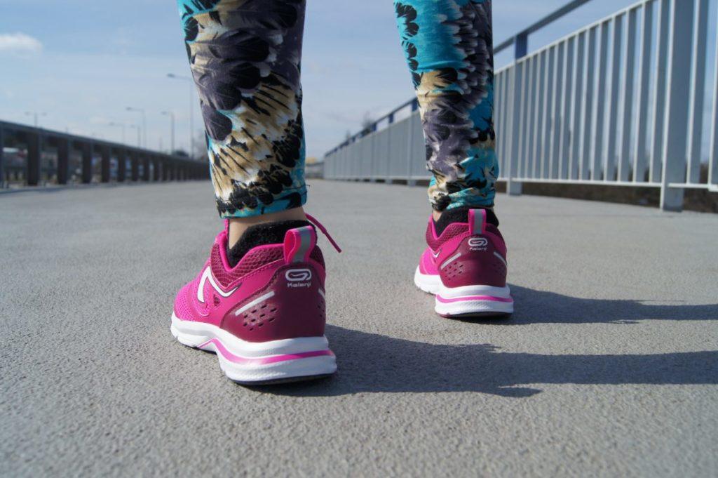 Tanie Buty Do Biegania Czy Oplaca Sie Kupic Buty Do 100 Zl Bieganieuskrzydla Pl Bieganie Trening Maraton