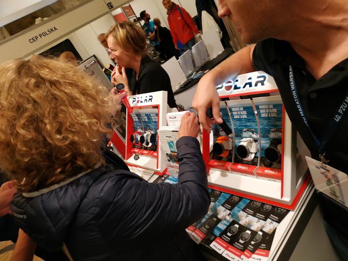 stoisko firmy Polar z zegarkami Polar Vantage