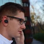 Słuchawki do biegania, które nie wypadają z uszu?