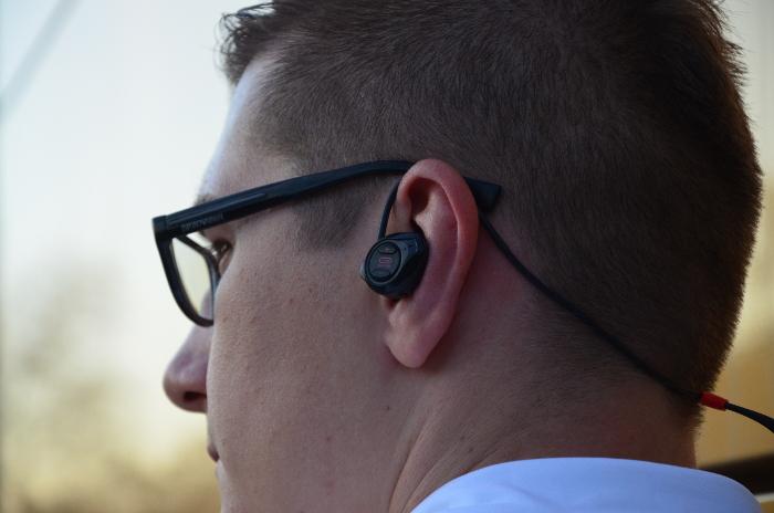 Słuchawki do biegania, które nie wypadają z uszu