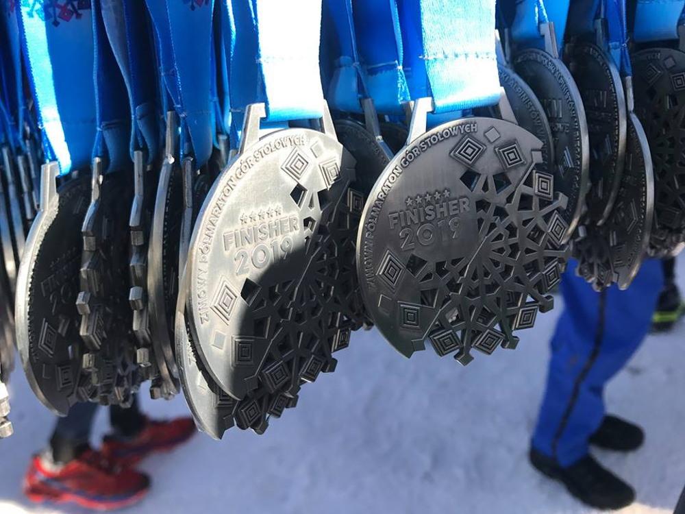 zimowy półmaraton gór stołowych medal