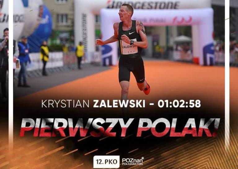 Krystian Zalewski na podium 12. PKO Poznań Półmaraton