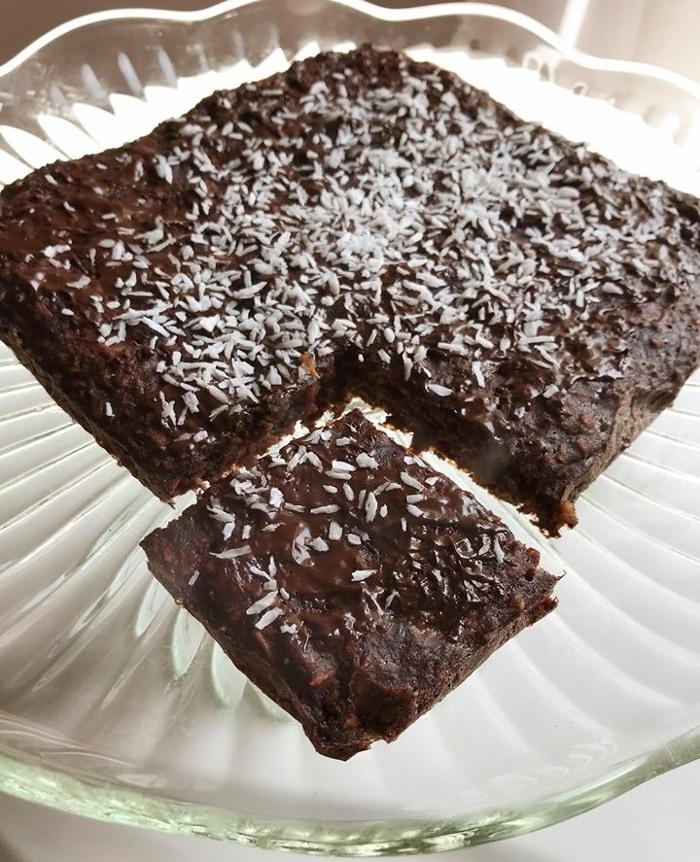 Przepis na kokosowy placek z czekoladą