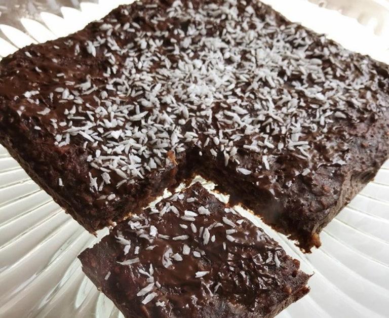 Kokosowy placek z czekoladą przepis