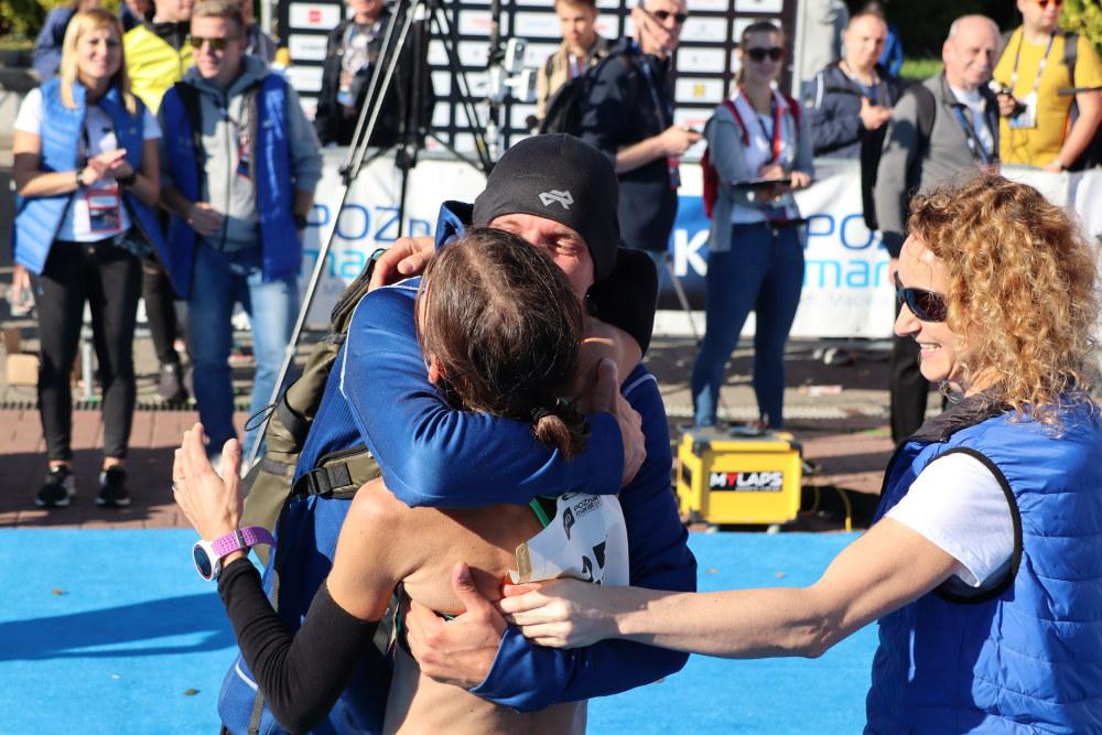 Monika Stefanowicz na mecie 20. PKO Poznań Maraton