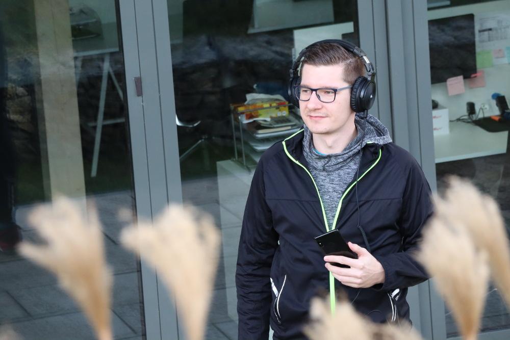 relaks ze słuchawkami