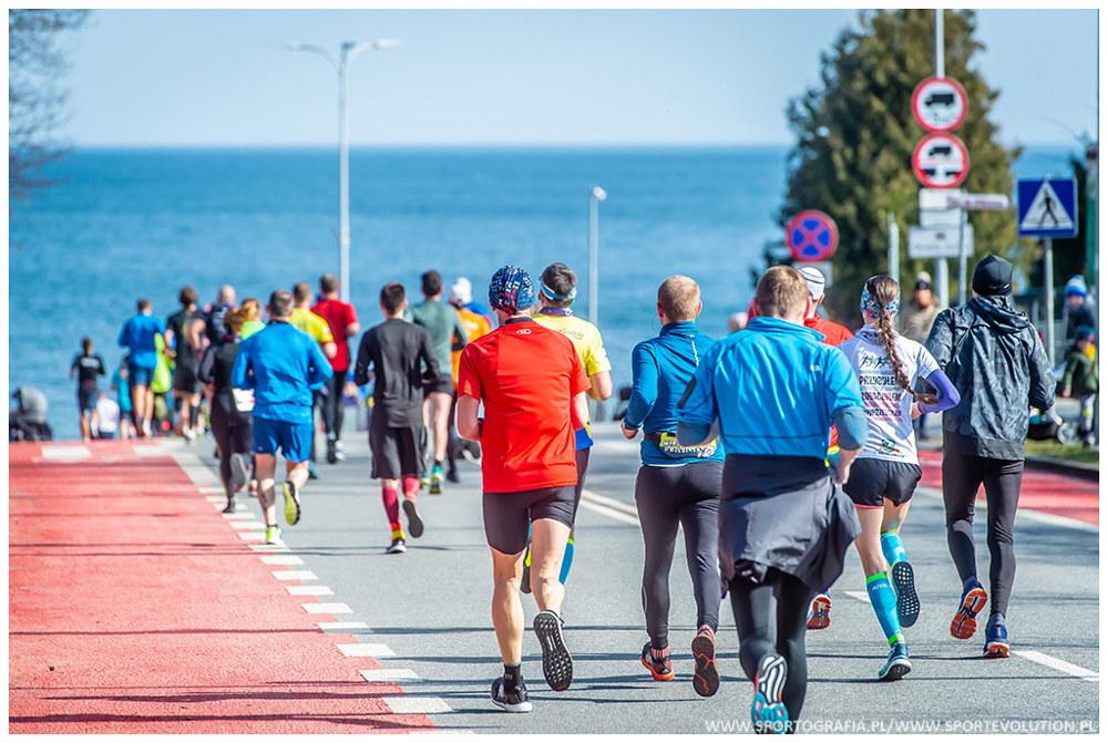 Gdynia Polmaraton 2020 Rusza Przepisywanie Pakietow Bieganieuskrzydla Pl Bieganie Trening Maraton